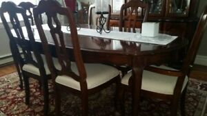 Traditional Dining Room Table, 8 Chairs and China Cabinet