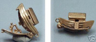 14k gold NOAH`S ARK WITH ANIMALS charm OPENS (Noahs Ark 14k Gold Charm)