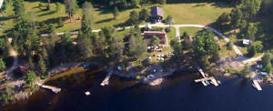 Silv'ry Moon Lodge on beautiful Trout Lake