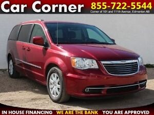 2015 Chrysler Town & Country Touring - DVD/SUNROOF/NAV/$188 B/W!