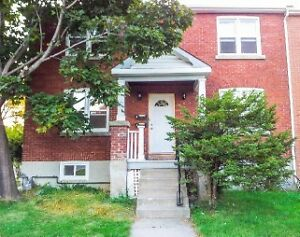 Downtown Kingston 3 bdr - Great Location!