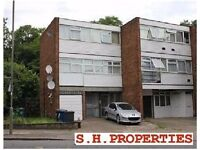 LOVELY 1 BEDROOM NEWLY REFURBISHED FLAT AVAILABLE IN RENTERS AVENUE, HENDON NW4 3RD