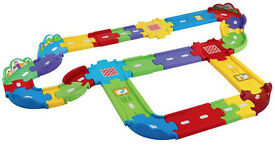 VTech Toot Toot Drivers Deluxe Track Set with 3 Emergency Vehicles