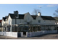 EXPERIENCED CHEF DE PARTIE AND KITCHEN PORTER FOR BAR AND RESTAURANT BETWEEN RICHMOND AND PUTNEY