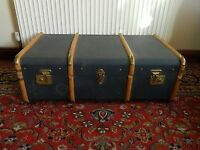 VINTAGE BENTWOOD BANDED STEAMER TRAVEL TRUNK COFFEE TABLE STORAGE