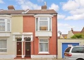 Large Rooms with Double Beds - Close to Bus Routes, Easy Motorway Access, Gym Nearby