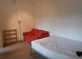 bright double room all bills included