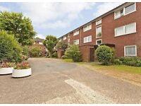 Bow Church,E3, Fantastic 1 bed Apartment ,parking, communal garden