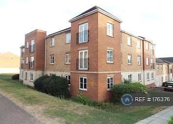 2 bedroom flat in Coniston Ave, Purfleet, RM19 (2 bed)