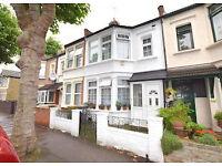 6 bedroom house in Montepelier gardens , London, E6