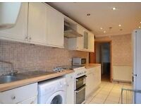 DSS ACCEPTED 2 double bedroom FULLY FURNISHED laminated floors NEW BUILD
