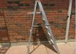 6 foot aluminum folding ladder