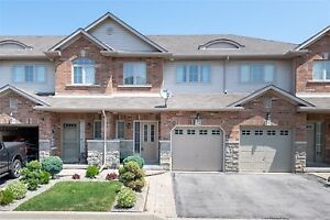 Lakeside Location in Stoney Creek - 3 bed, 4 bath Townhouse