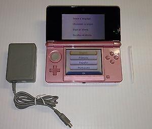 *****NINTENDO 3DS ROSE + JEUX A VENDRE / PINK NINTENDO 3DS + GAMES FOR SALE*****