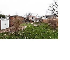 ***GEORGEOUS BRIGHT BUNGALOW***