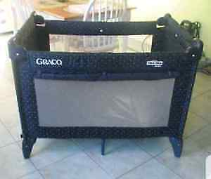Graco Pack 'n Play Playpen with Changing Table and Bassinet