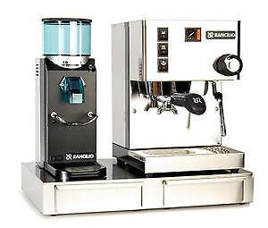 Machine espresso Rancilio Sylvia et grinder Rocky