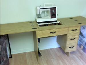 Machine à coudre Kenmore + meuble
