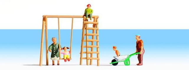 Noch Grandparents & Grandchildren x 5 figures with accessories HO Scale 15589