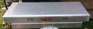 Cross-Bed Polished Aluminum Checker-Plate Truck Tool Box