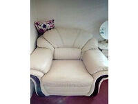 2 very nice white leather armchairs
