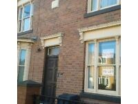 BIG VICTORIAN ROOM, £350PM ALL INC,OFF HUMBERSTONE ROAD LE5 0JB, SUIT WORKING COUPLES OR 3 FRIENDS