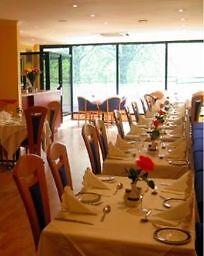 Host & Order Taking Waiter / Waitress