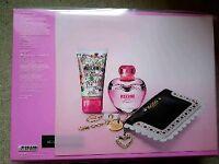 Moschino Pink Bouquet Gift Set