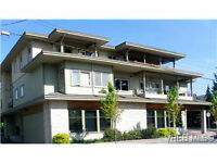 LOW RISE SIDNEY CONDO BRIGHT WELL LAID OUT STEPS TO OCEAN