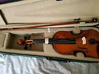 Adult violin and bow
