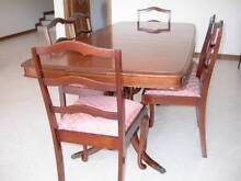 FANTASTIC CONDITION!  Dining extension table, 6 chairs, sideboard South Coogee Eastern Suburbs Preview