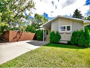 1005 Prince Charles Place, Moose Jaw, SK