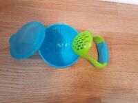 Baby food masher & bowl