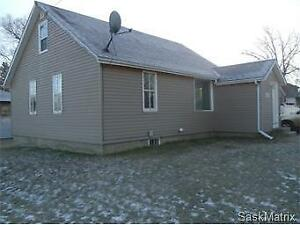 4 Bedroom House in Chaplin, SK