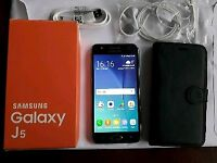 Samsung galaxy j5 in mint condition unlocked to any network