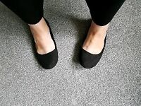 Trashed Private Used Ladies Black Work Shoes Size 6