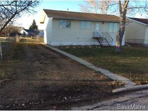 15 H Avenue, Willow Bunch, Sk.