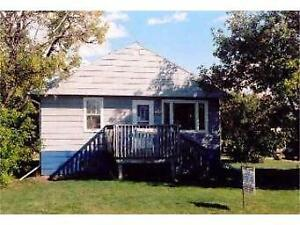 #104- 2 Bedroom Home in Rycroft $650 Available May 1st!