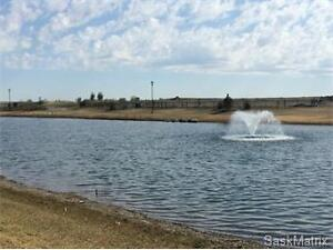 Walk Out Lot in Lake Vista - WMWhomes