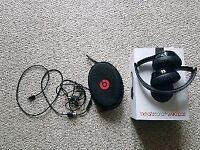 Gloss Black Beats Solo3 Wireless headphones