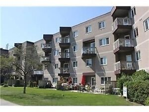 2BR 1WR Condo Apt in Mississauga near Lakeshore & Southdown