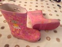 Upsy daisy wellie boots