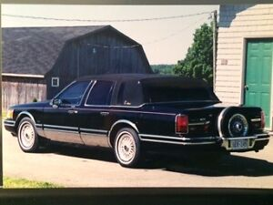 1991 Lincoln Towncar with Presidential Package
