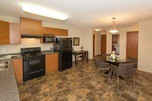 Beautiful 2 Bedroom  Windermere Suites! CALL TODAY!