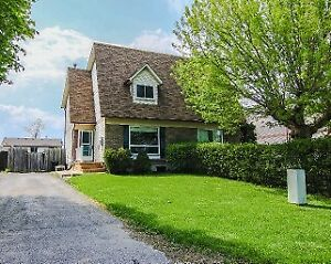 Sarnia 3 Bedrooms 1.5 bath for Rent
