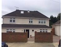 LOVELY 6 BEDROOM DETACHED HOUSE,GARDEN,GARAGE,DRIVEWAY,LOCATED IN WOODVILLE AVENUE,MILL HILL,NW7 2PE