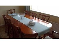 Mahogany Dining Table with 6 chairs and 2 carvers. Very good condition