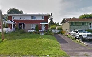 Big Beautiful 3 Bedroom Spacious House for Rent in Châteauguay