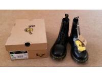 Dr Marten's 1460 Original 8 Eyelet, Unisex-Adult Lace- up Boots, Black, Uk Size 7