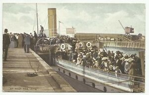 POSTCARDS-SCOTLAND-LEITH-PTD-Paddle-Steamer-Wemyss-Castle-at-Leith-West-Pier